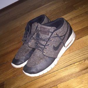 Nike sb's size 9